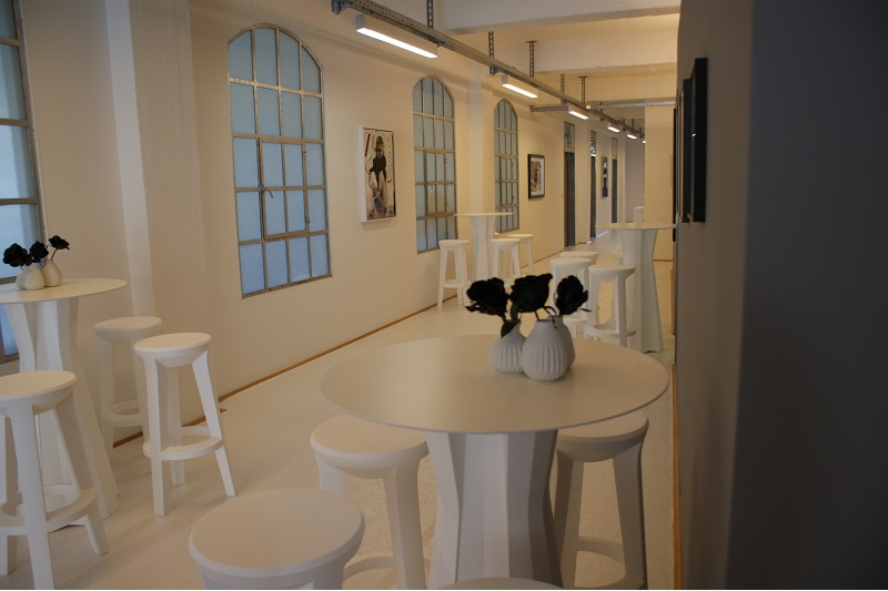 Barhocker mieten lounge4event for Tisch barhocker