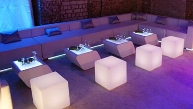 LED Sitzwürfel mieten