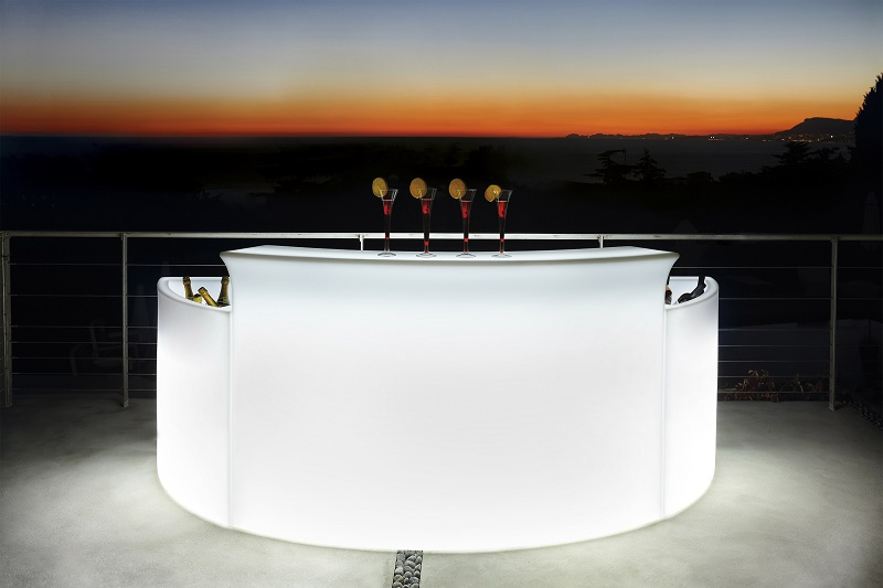 Leuchtende Bar mit LED