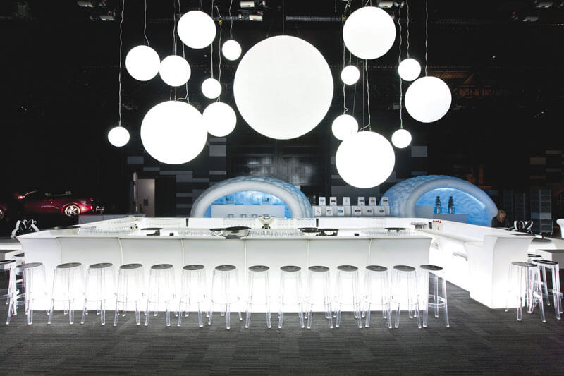 Leuchtende Bar mit LED