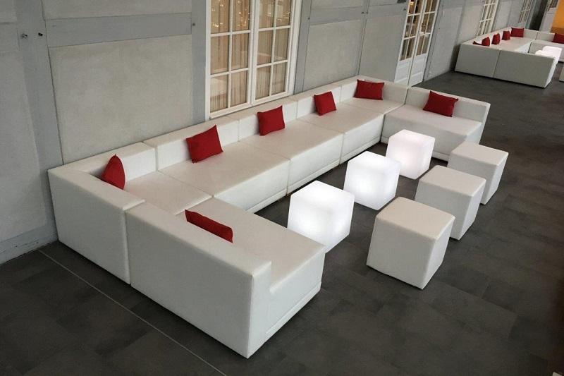 Weiße Lounge für Hochzeit