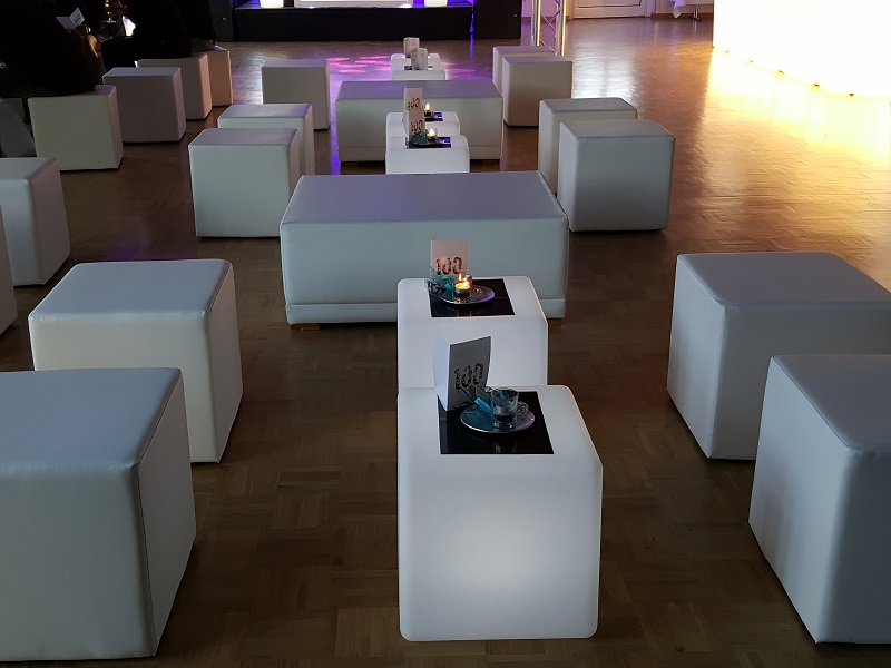 Sitzwürfel LED und Leder