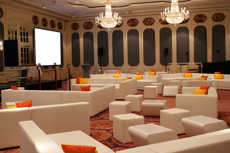Lounge im Saal
